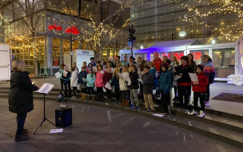 Indian Hill Elementary School students serenade visitors at Cincinnati's Fountain Square