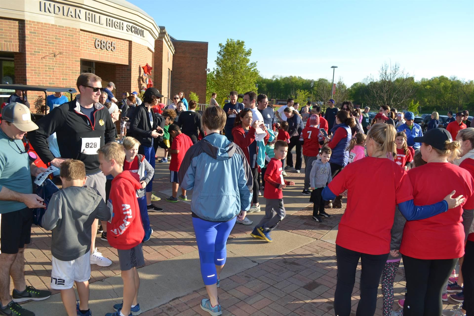 Crowd pre-race